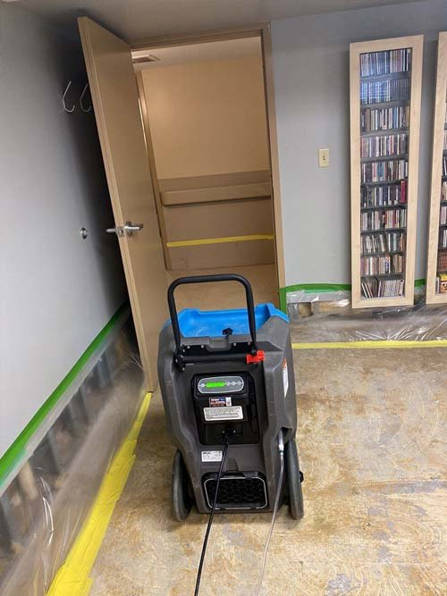 water damage cleanup in Cleveland3
